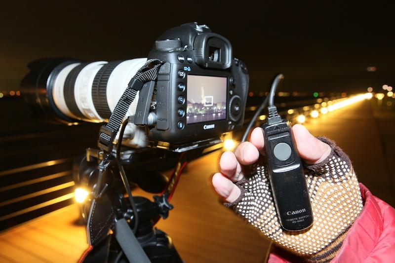 三脚を使用して、長時間露光(長秒撮影)するときはケーブルレリーズは必需品。