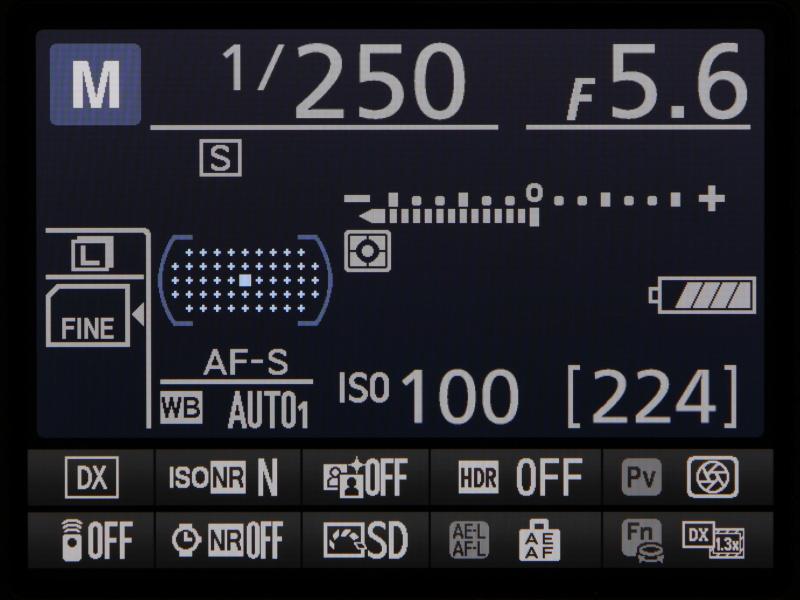 こちらはinfoボタンを押したときに表示されるインフォ画面。撮影に関するカメラの設定状態などが一目で確認できる。