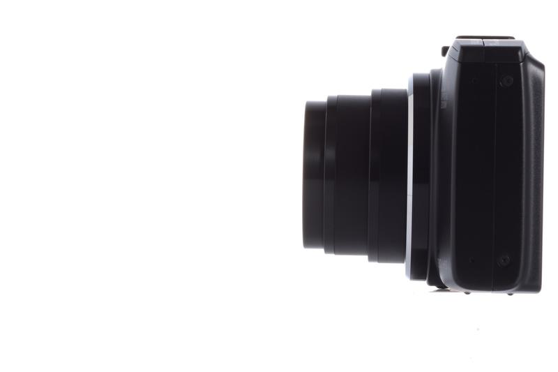 広角端(25mm相当)
