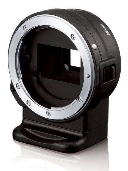 マウントアダプターFT1。画角は35mm換算で約2.7倍の焦点距離相当となる。対応レンズではAE、AF、VR、フォーカスエイドが利用可能