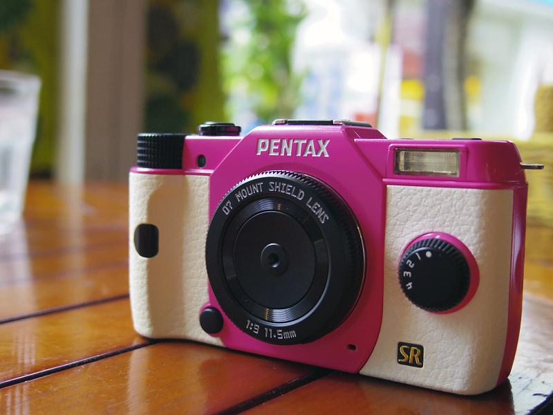 PENTAX Q7と同時発売のレンズ「PENTAX-07 MOUNT SHIELD LENS」もゲットしました。後の回で作例を紹介したいと思います(今回の作例は01 STANDARD PRIMEで撮影)。