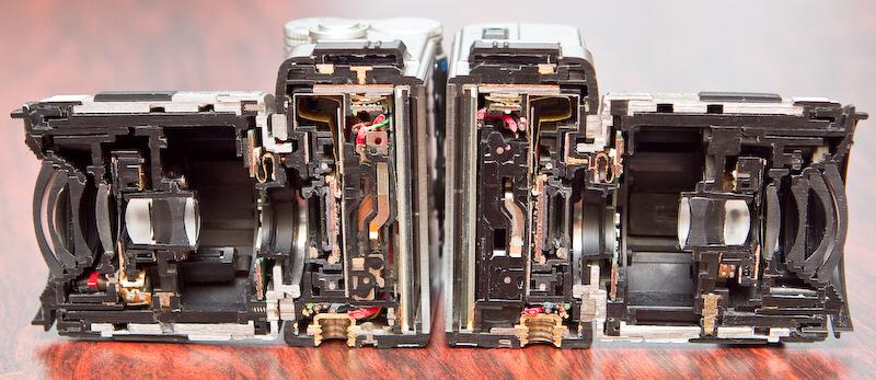 Q7のカットモデル。レンズは02 STANDARD ZOOM。