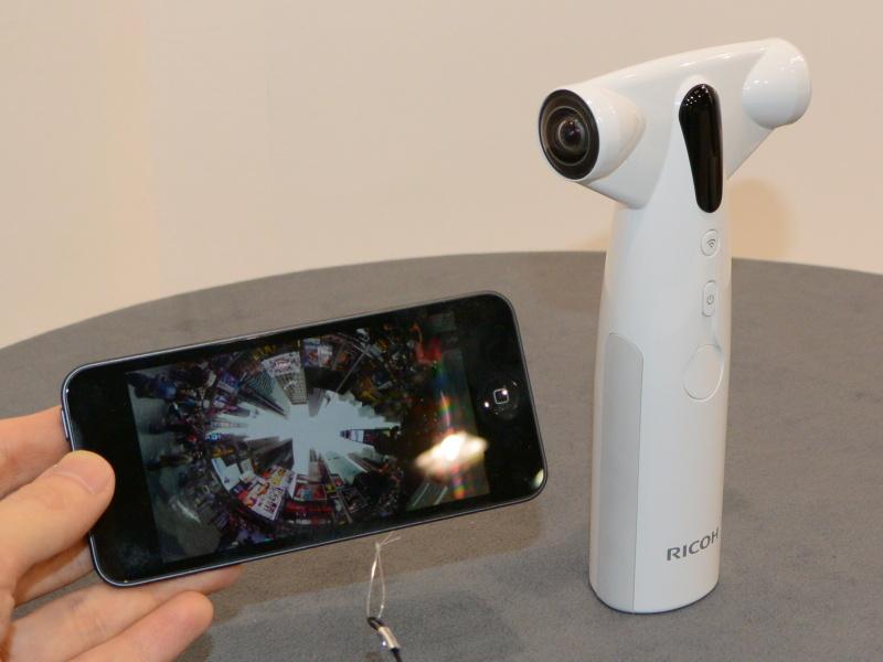 (参考)CP+2013で参考展示していた「全天球カメラ」(仮称)。