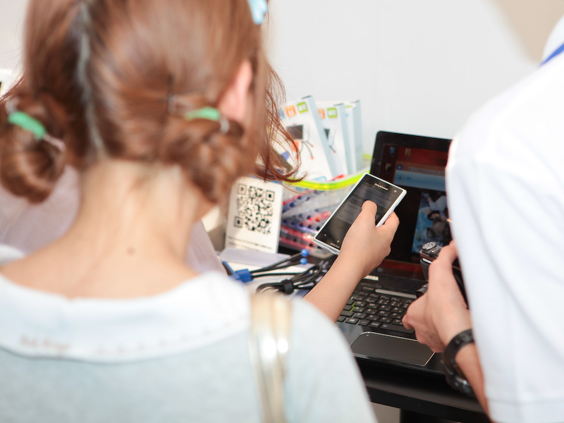 すぐにFlashAirのWi-Fi機能でスマートフォンに写真が転送される。