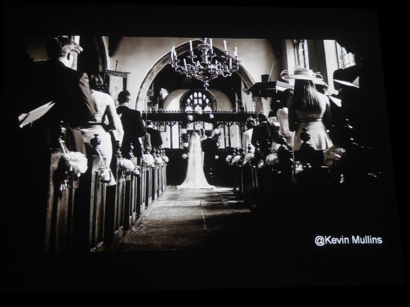 Kevin Mullins氏の写真では、ドキュメンタリー的作風のウェディングフォトにおける静穏性の大事さを強調