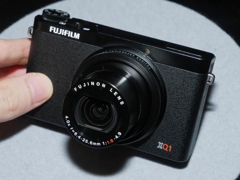 FUJIFILM XQ1(ブラック)