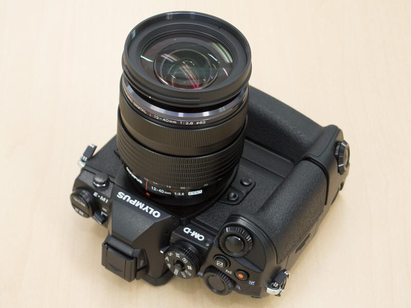 E-M1+HLD-7+M.ZUIKO DIGITAL ED 12-40mm F2.8 PRO。凝縮感があってなかなかカッコいいです。この組み合わせは防塵防滴カメラとしての能力も発揮してくれるので頼もしい限りですね。