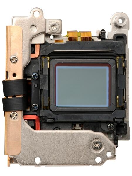 撮像素子は光学ローパスフィルターレスの有効1,628万画素Live MOSセンサー。