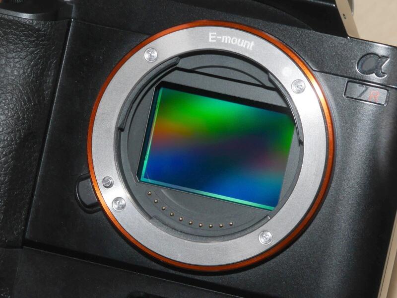 35mmフルサイズセンサーを搭載した。