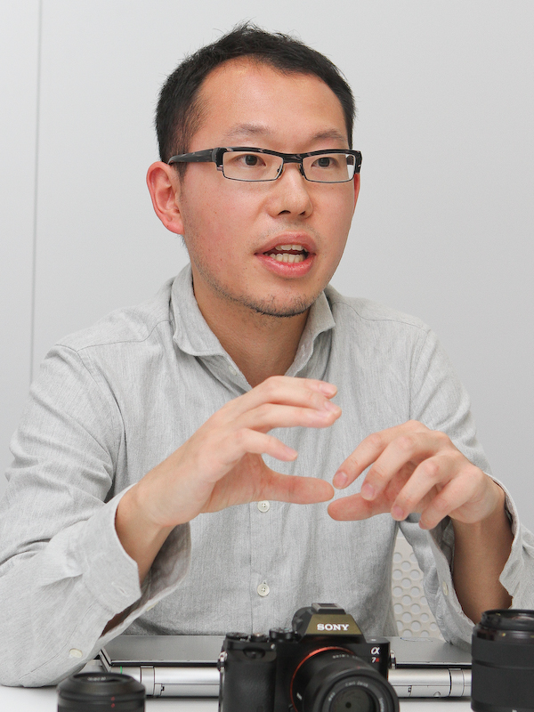 FEレンズの光学設計を担当した細井正晴氏。