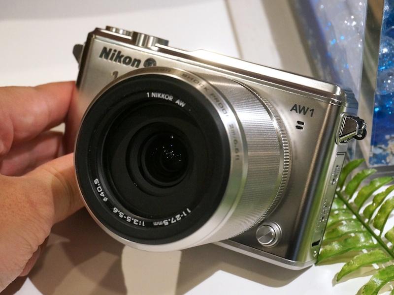 レンズ交換式にして防水耐衝撃カメラのNikon 1 AW1