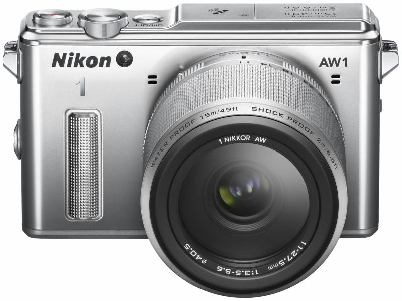 Nikon 1 AW1。レンズ交換式カメラとして初めての防水・耐衝撃を実現した