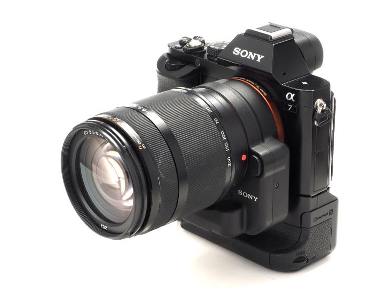 (参考)α7にLA-EA4を介してDT 18-200mm F3.5-6.3(生産完了)を装着してみた。APS-Cフォーマット用のAマウントレンズもクロップ撮影で問題なく使用できる。