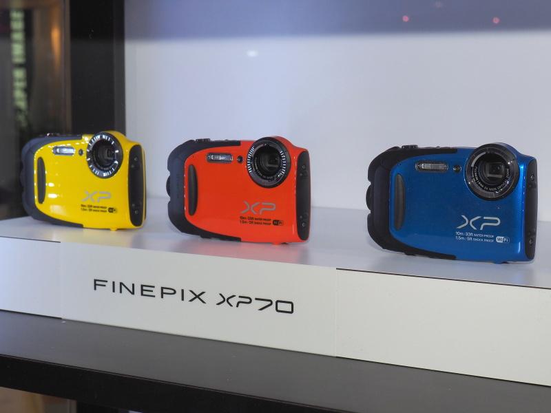 FinePix XP70。カラバリは3色