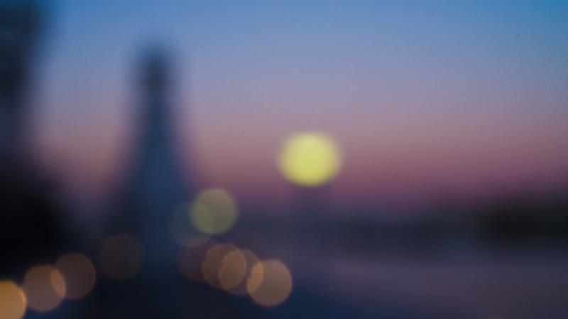 3mmホールカメラ。見ればおわかりの通り、夕暮れ時の海を撮影。ニコンD600