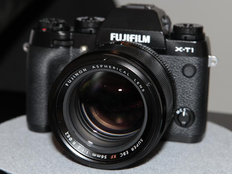 """XF 56mm F1.2 Rも試せる。35mm判換算で85mm相当になる""""ポートレートレンズ""""。"""