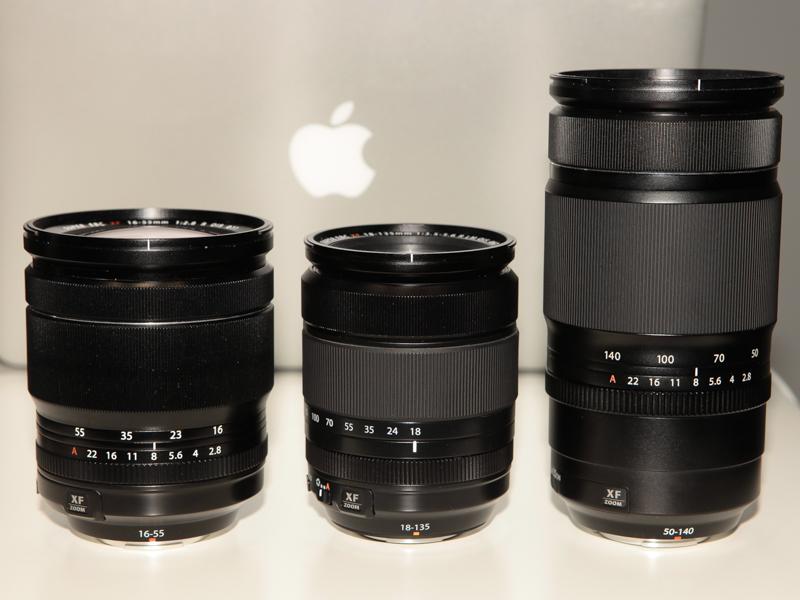 左からXF 16-55mm F2.8 R LM OIS WR、XF 18-135mm F3.5-5.6 R LM OIS WR、XF 50-140mm F2.8 R OIS WR(いずれもモックアップ。以下同)。