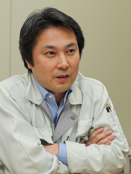 光学系全般を担当した朴一武氏。
