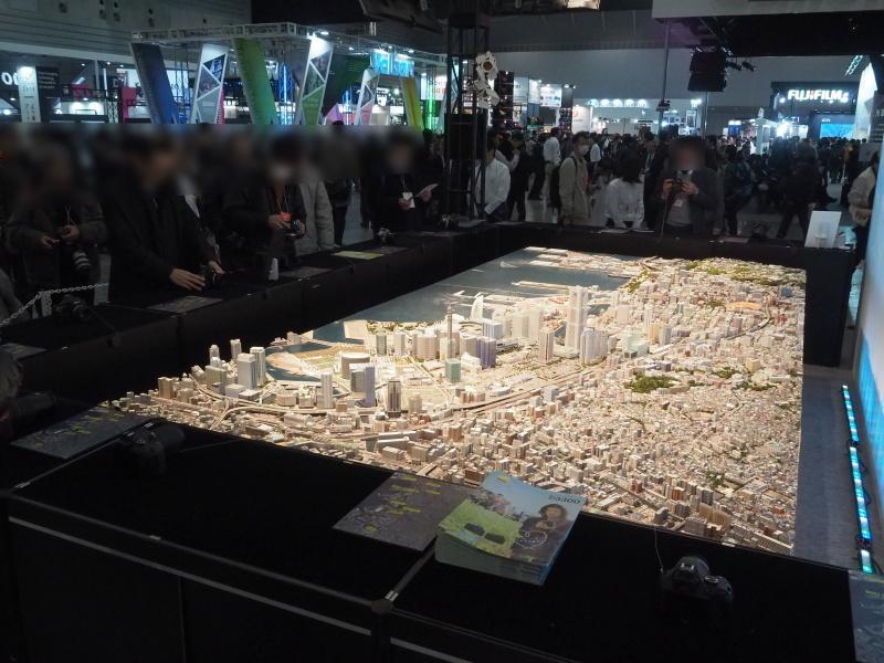 都市イメージ共有のために作られたものという「横浜都心臨海部の都市模型」を撮影できる