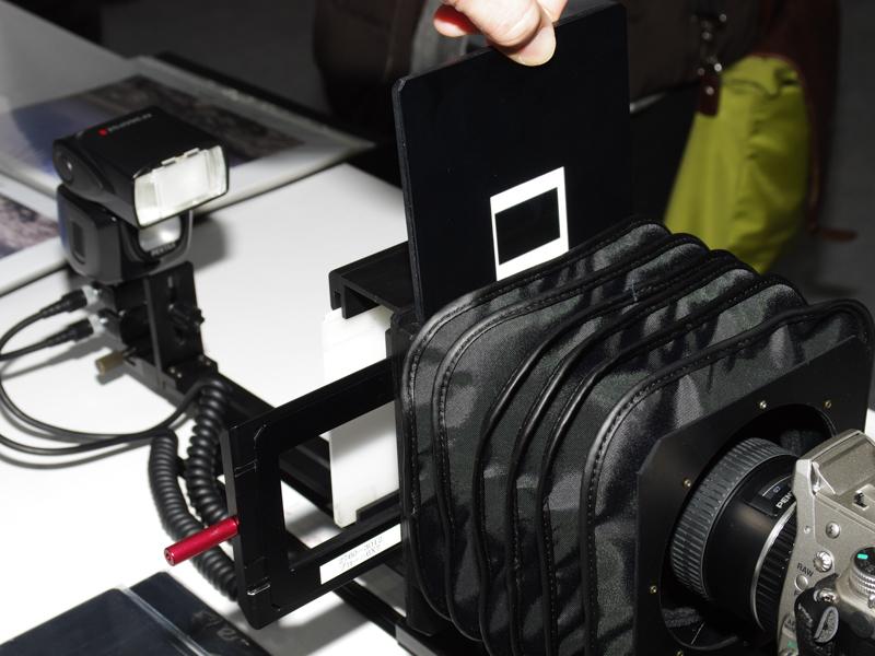 マウントとスリーブの両方の銀塩フィルムを使用可能