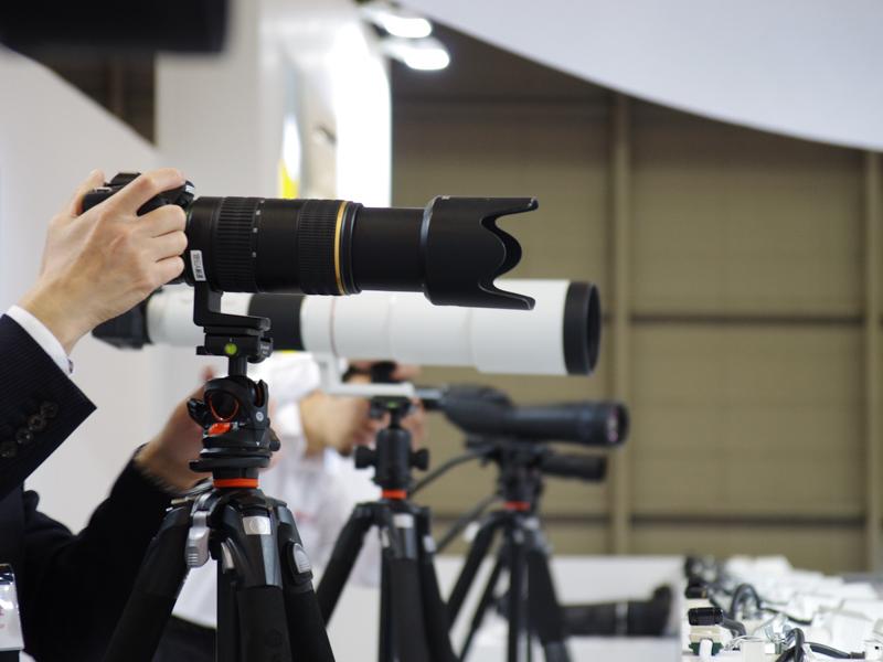 各種フォーマットのカメラで望遠レンズを試せる