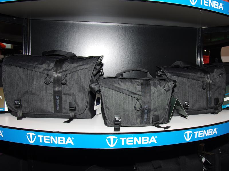 テンバのDNAシリーズ。中央が新製品の「DNA 8」