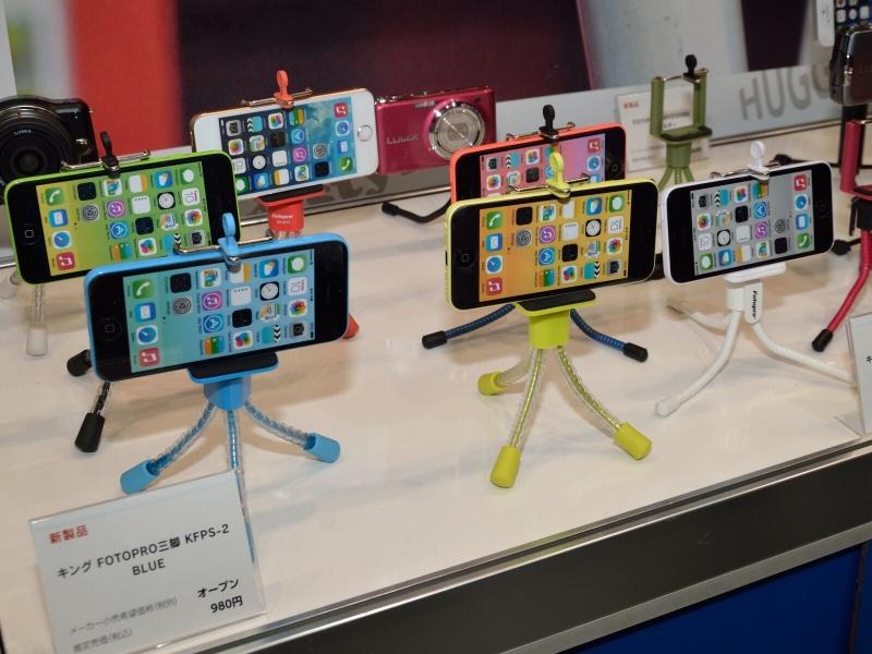 スマートフォン用三脚は人気商品という