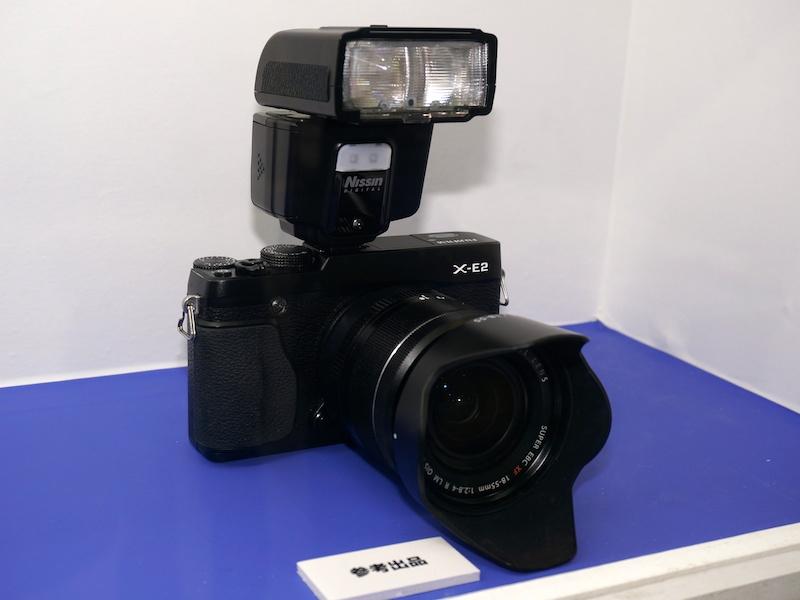 富士フイルム用のi40を参考出品。発売については未定とのこと