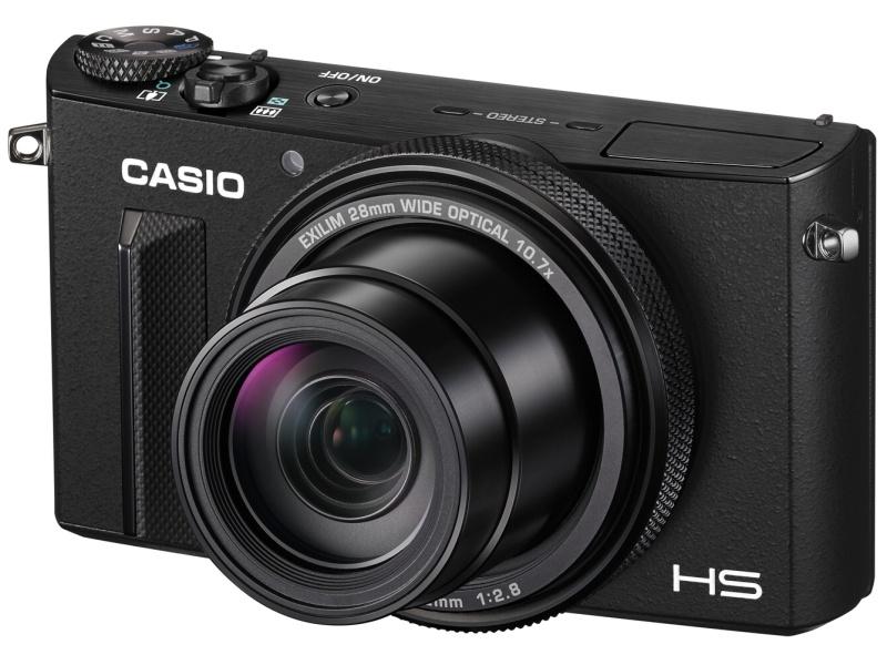 28-300mm相当F2.8の10.7倍ズームレンズを搭載する「EXILIM EX-100」。発売は3月20日。実売価格は8万9,800円前後。