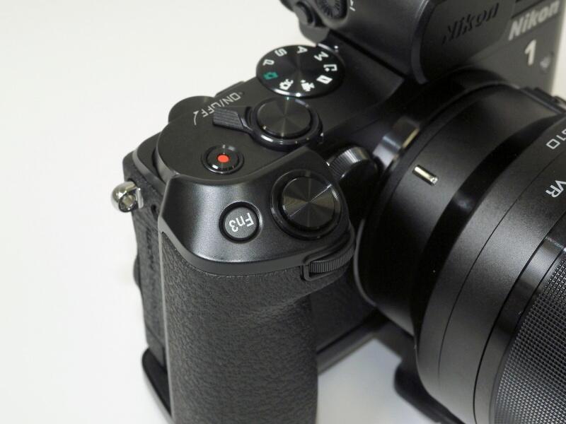 グリップのボタンとダイヤル。Fn3はグリップ装着時のみ使用可能
