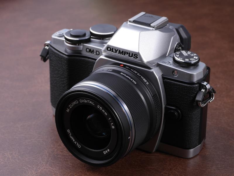 M.ZUIKO DIGITAL 25mm F1.8を装着。ボディとのマッチングも良い