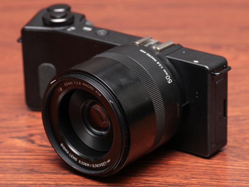 50mm F2.8(約75mm相当)レンズのdp3 Quattro