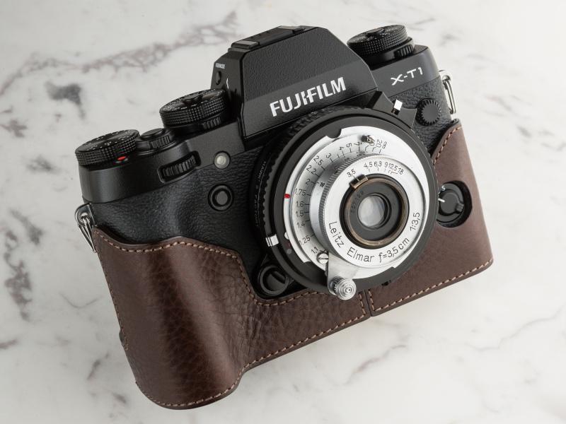 ゲリズのX-T1用ケースは1万9,400円。スマイルカメラなどで購入できる