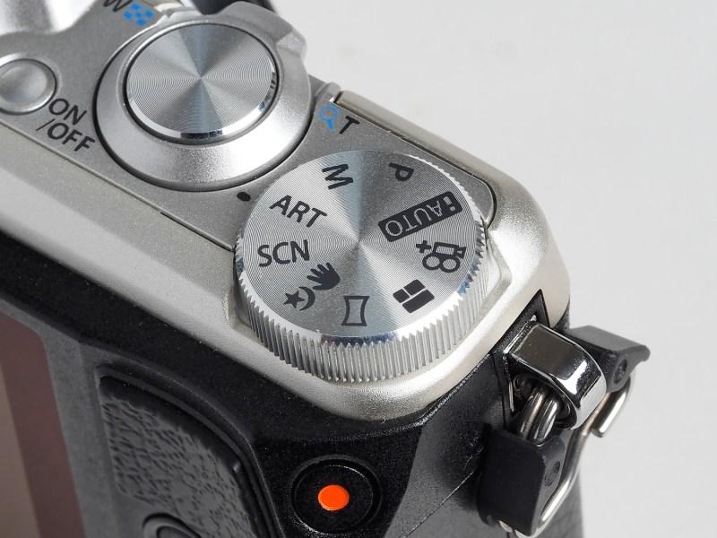 モードダイヤルに「アートフィルター」が新設された。JPEG撮影のみとなるが、PENシリーズと同様、オリンパス独自のアート効果を画像に適用できる。