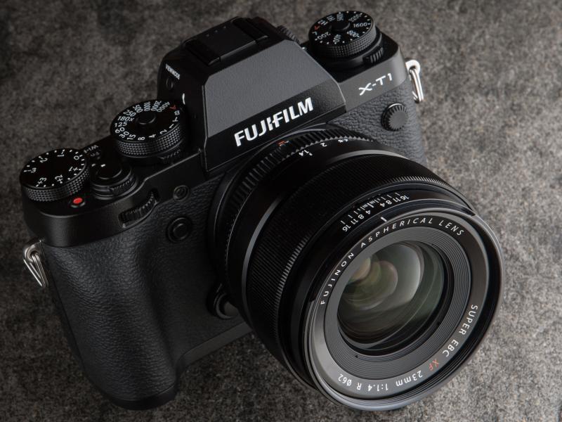 今回は「FUJIFILM X-T1」で試用した。発売は2013年10月。実勢価格は税込9万4,800円前後