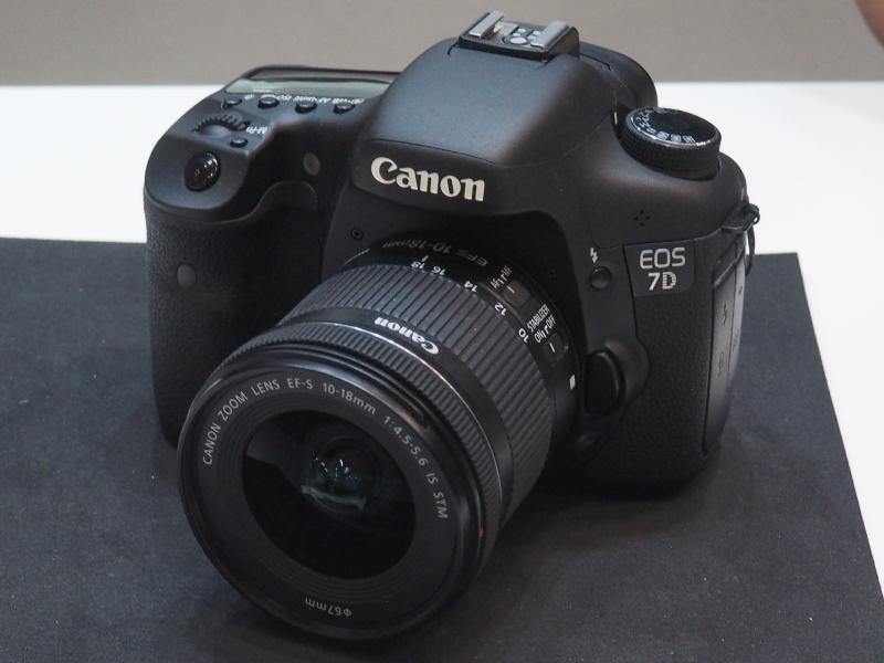 EF-S 10-18mm F4.5-5.6 IS STM装着例