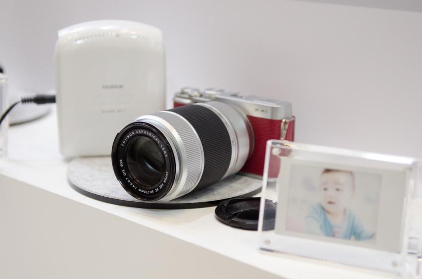 デジタルカメラならではの高機能を活かして撮影した写真も、簡単・スピーディにチェキフィルムに出力できるようになります。