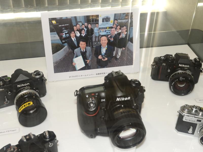 後藤研究室およびDfプロダクトチームメンバーの記念写真も飾られていた