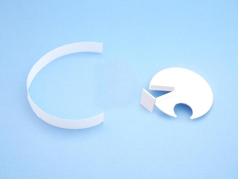 ディフューザー内部の反射板として、ケント紙をカットしたご覧のようなパーツを製作