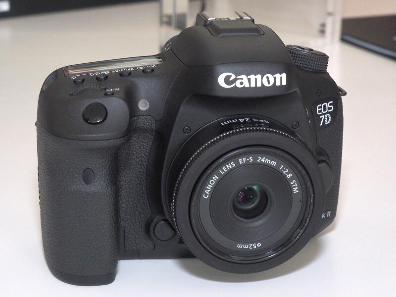 EOS 7D Mark II(レンズはEF-S 24mm F2.8 STM)