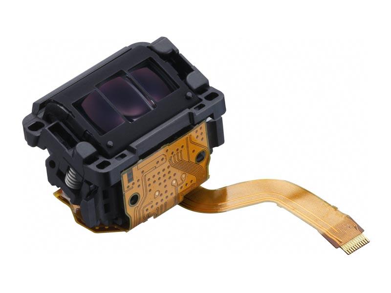 AFセンサーも65点オールクロス測距の新型にリプレイス