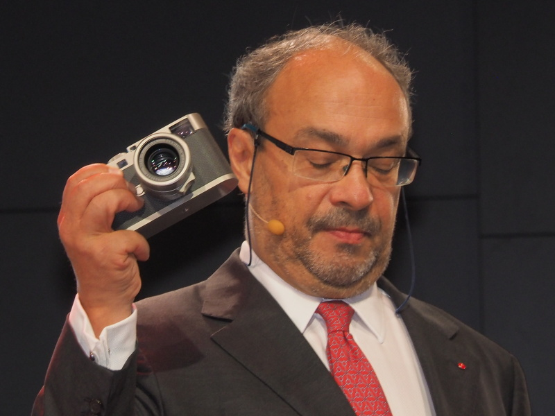 ライカカメラ社主のアンドレアス・カウフマン氏がライカM Edition 60を披露した