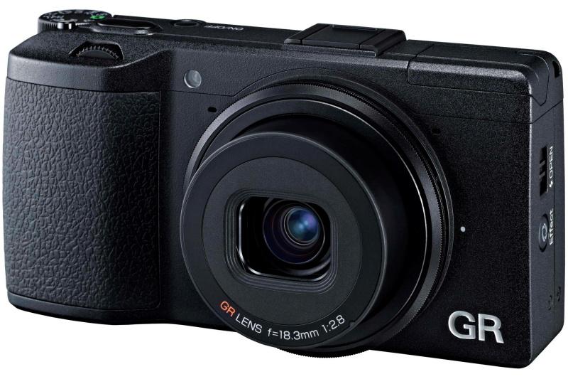 デジタルのGRシリーズは、当初から35mm判換算28mm相当の単焦点レンズを搭載している