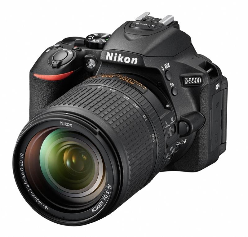 AF-S DX NIKKOR 18-140mm f/3.5-5.6G ED VR装着時
