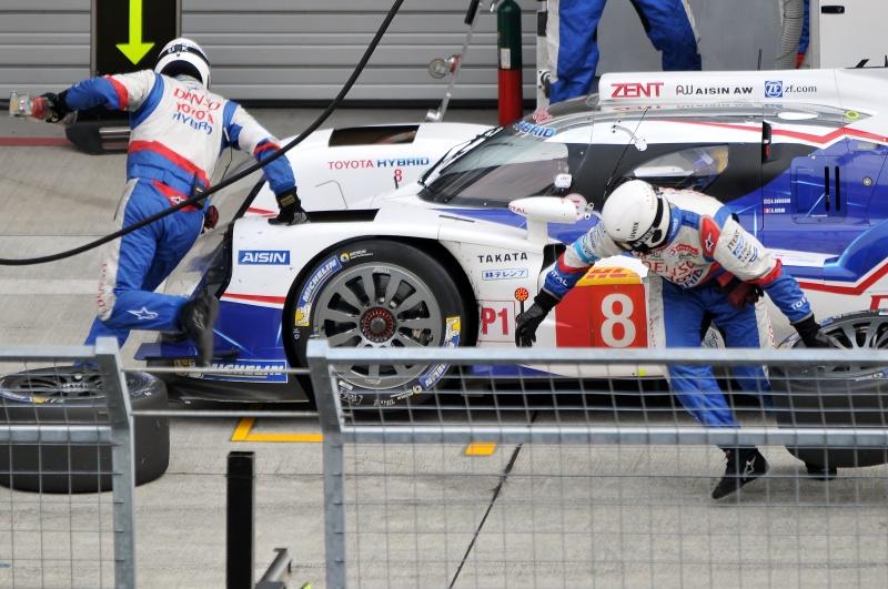 みい〜くん氏。レースカーの速さを影で支えるタイヤとメカニック