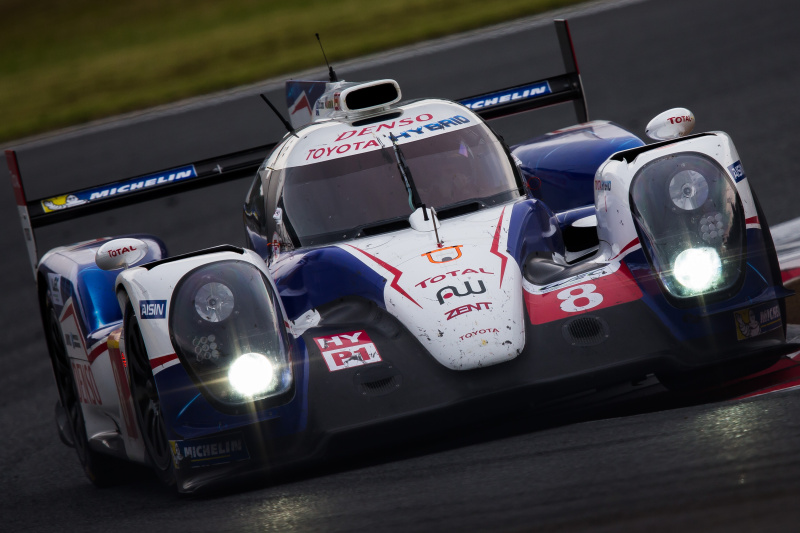 group_c氏。レース終盤耐久らしく汚れた車体でTOP快走の8号車