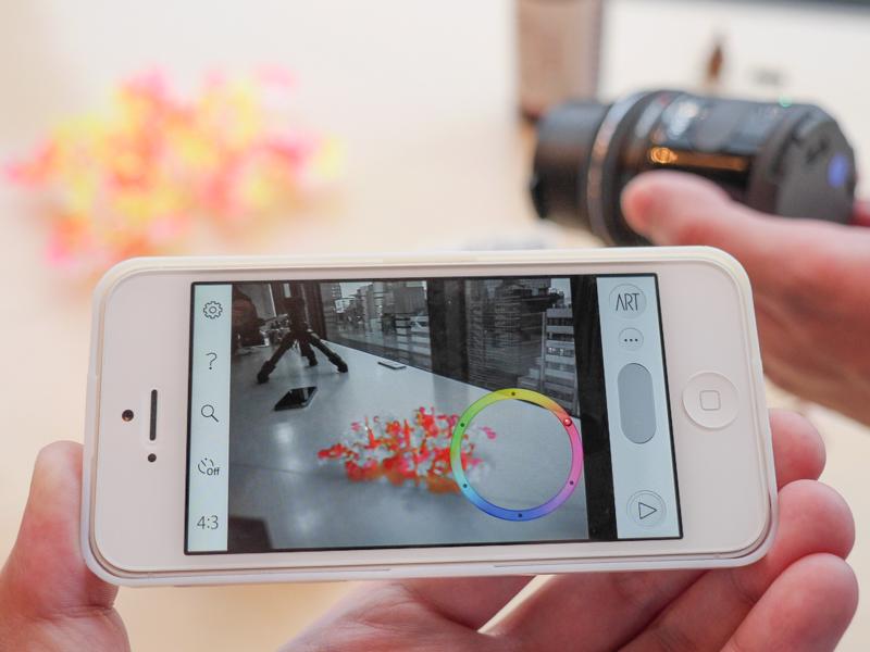 アプリからの操作で特定の色以外をモノクロにするといったエフェクトも適用できる