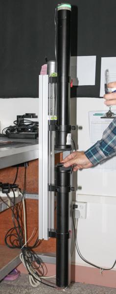 これがコリメーターと呼ばれる測定装置。平行光線でわずかな解像力の劣化を検知できる