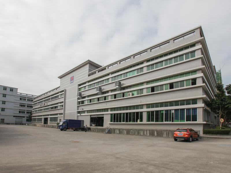 BENROの工場棟。こうした建物が計3棟ある