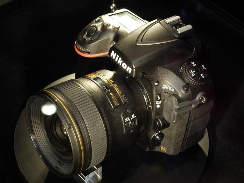 ニコンは天体撮影用デジタル一眼レフカメラ「D810A」を出品